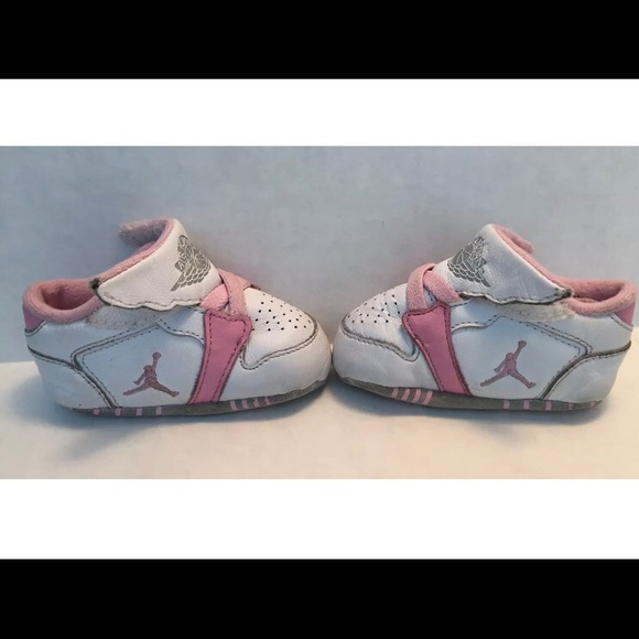 sports shoes 9d916 8c5f7 uk air jordan retro 4 crib 4b815 d1032 · M 5b3030714ab633f27d24e478